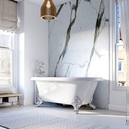 Bianco Carrara Showerwall in a bathroom